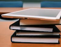 Bibliografia recomanada a les assignatures